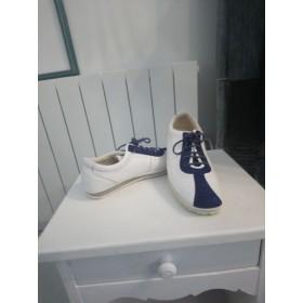 Sneakers blancs et bande bleue P 37 Farrutx