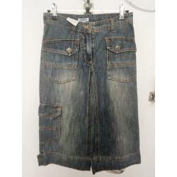 Pantacourt en jeans grisé...